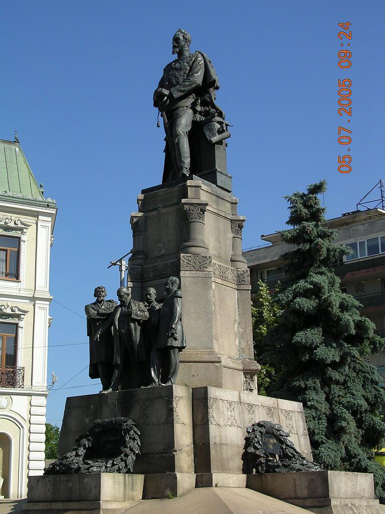 in-piata-unirii-statuia-lui-alicuza.jpg