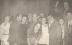 1974. Aici eram cu romanii de la restaurant